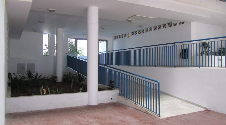 Apartments 1 099